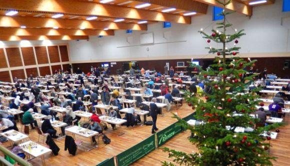 Die gut gefüllte Martinseehalle vom 26. bis zum 29.11.2015